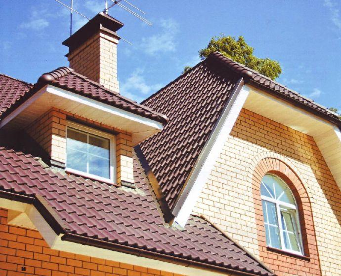 Полувальмовая мансардная крыша