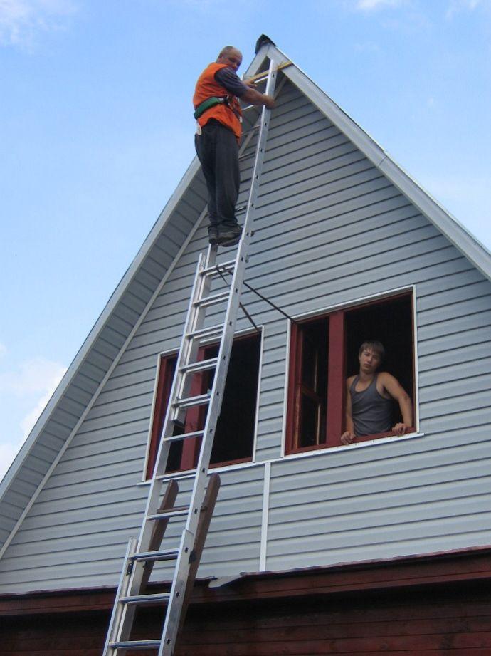 Отделка фронтона крыши фото