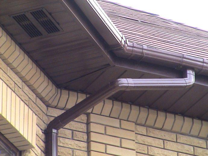 Карниз крыши из профлиста