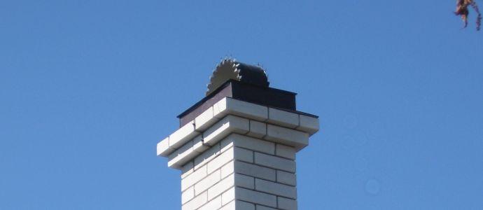 установка печной трубы на крыше