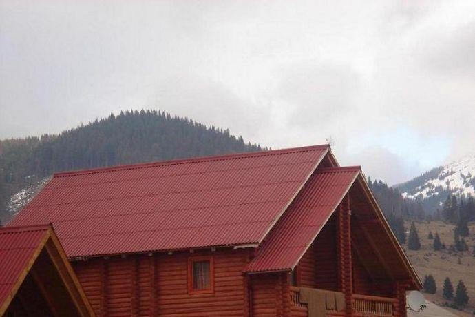 Крыша из цветного шифера